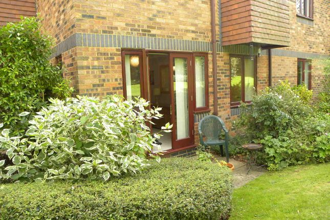 Thumbnail Flat for sale in Belmont Hill, St. Albans Herts. 1Bh