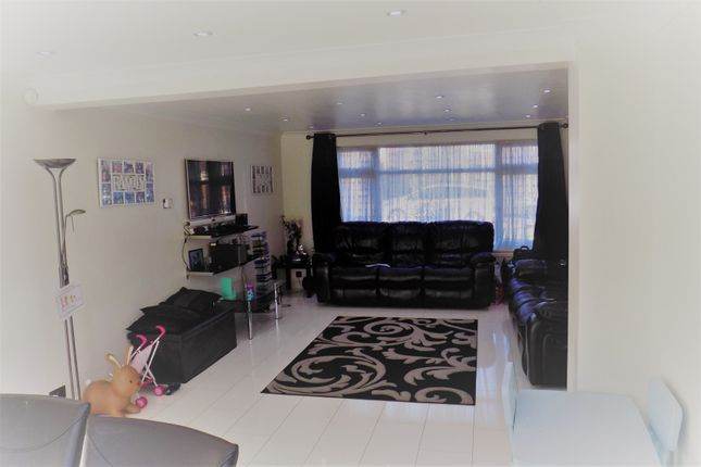 Thumbnail Detached house to rent in Howletts Lane, Ruislip