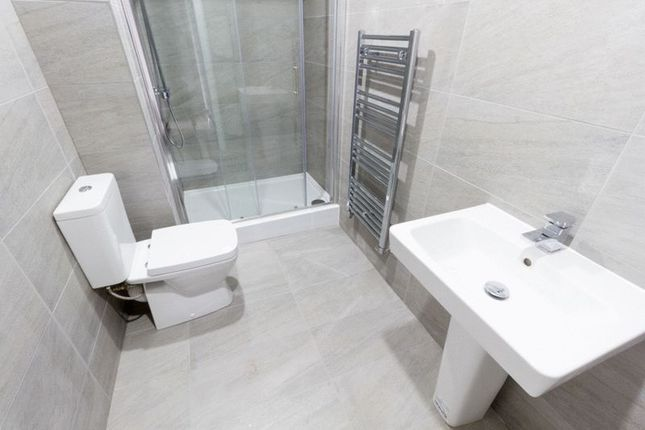 Thumbnail Flat to rent in Alpha Grove, London