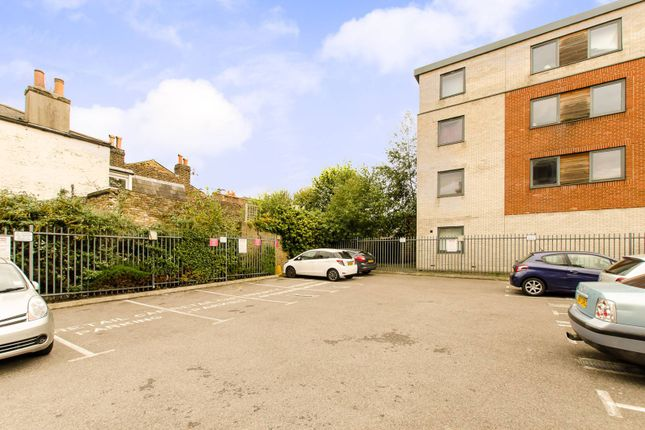 Parking/garage to rent in Streatham Place, Brixton Hill