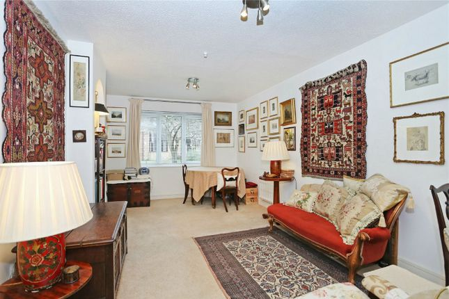 2 bed flat for sale in Beaulieu Place, Rothschild Road, Chiswick Park, Chiswick, London