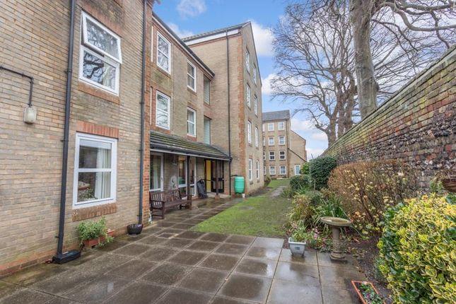 1 bed flat for sale in Homesarum House, Salisbury SP2