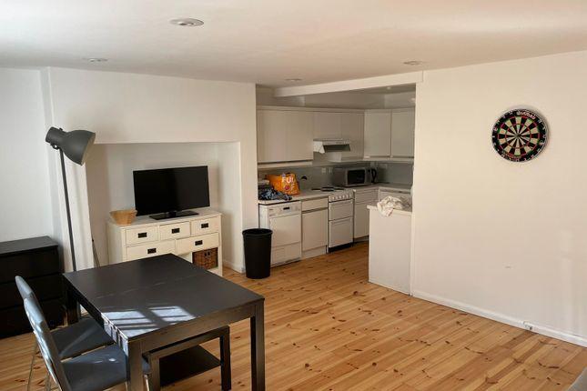 Thumbnail Flat to rent in Kent Terrace, London