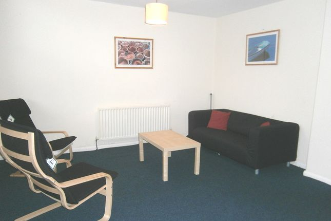 Thumbnail Shared accommodation to rent in Yarm Road, Stockton-On-Tees