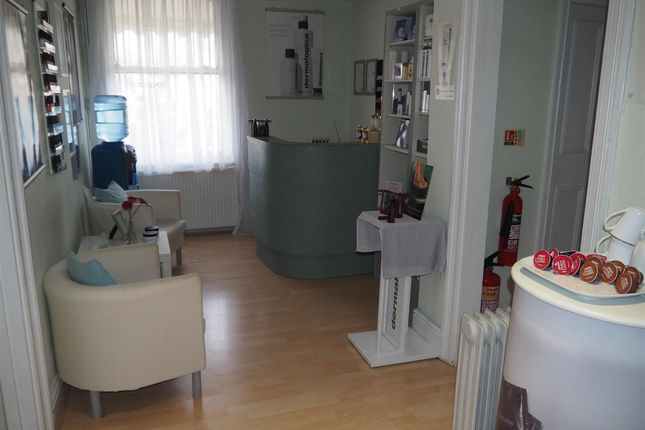 Thumbnail Retail premises for sale in Beauty, Therapy & Tanning HG2, North Yorkshire