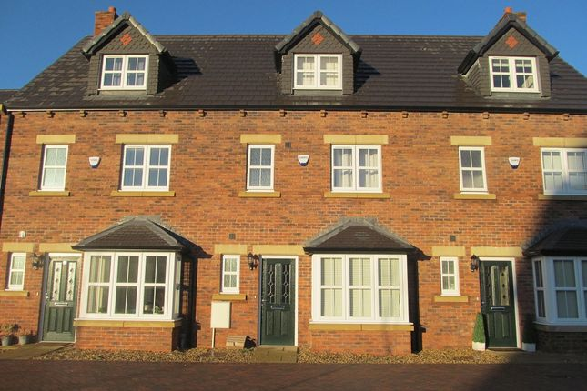 Thumbnail Town house to rent in Fenwick Drive, Crindledyke, Carlisle, Cumbria