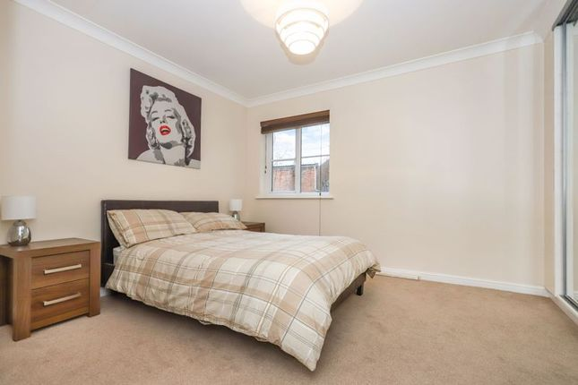 Bedroom of Eversley Street, Glasgow G32