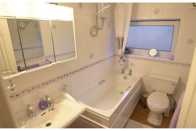 Bathroom of Woodlands Road, Aylesford ME20