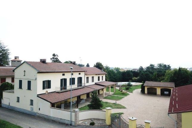 Thumbnail Hotel/guest house for sale in Regione San Giovanni, Oviglio, Alessandria, Piedmont, Italy