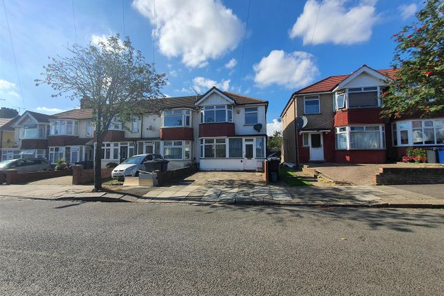 3 bed semi-detached house to rent in Rothesay Avenue, Greenford UB6