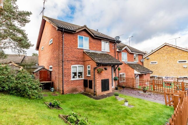 2 bed end terrace house for sale in Hexham Close, Owlsmoor, Sandhurst GU47