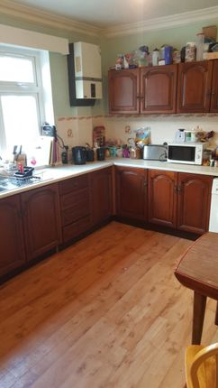 Thumbnail Property to rent in North Hill Road, Headingley, Leeds