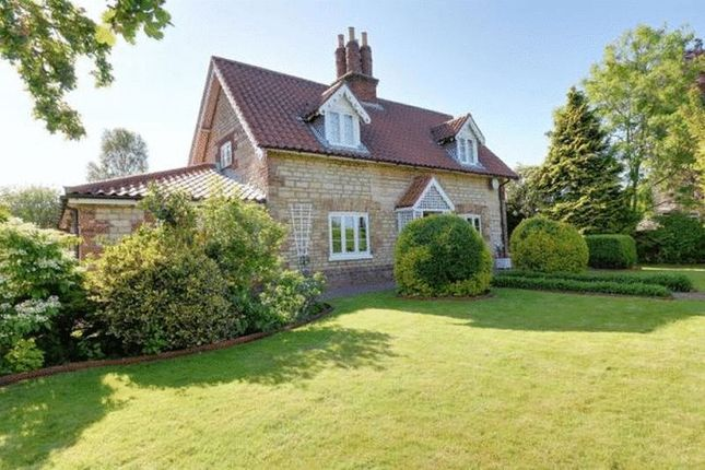 Thumbnail Cottage for sale in Appleby, Scunthorpe