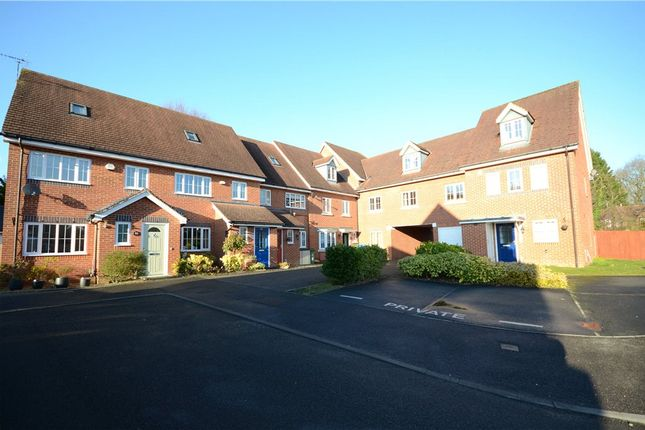 Thumbnail Flat for sale in Alford Close, Sandhurst, Berkshire