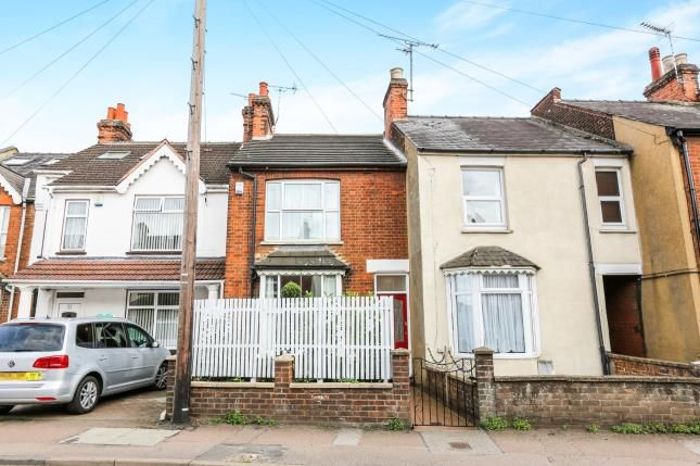 Thumbnail Terraced house for sale in Grove Road, Hitchin, Hertfordshire