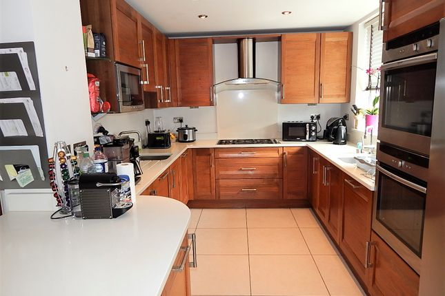 Thumbnail Detached house to rent in Vaughan Avenue, Hendon