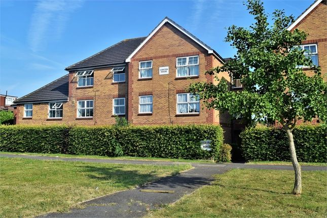 Thumbnail Flat to rent in Carlton House, 413-419 Staines Road, Feltham, Middlesex