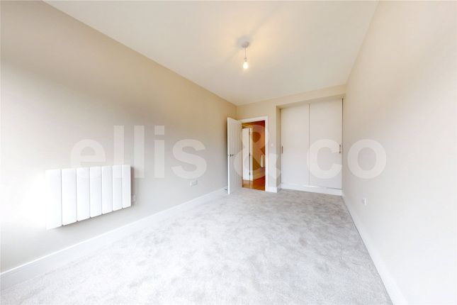 Picture No. 33 of 111 - 125 Shenley Road, Borehamwood, Hertfordshire WD6