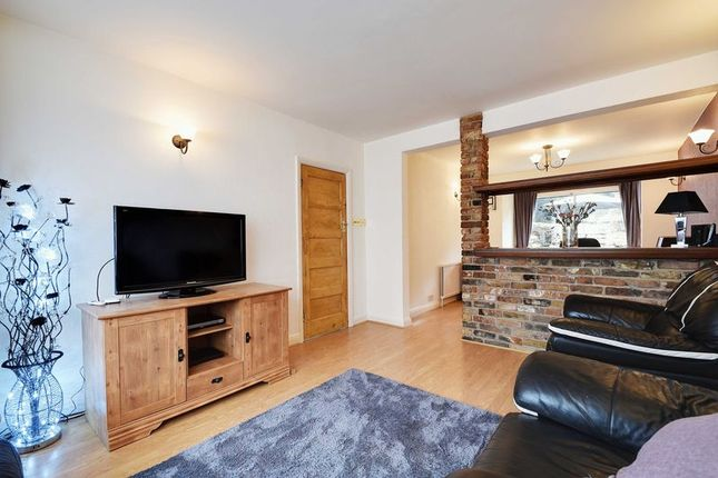 Thumbnail Semi-detached house for sale in Lincoln Avenue, Southgate