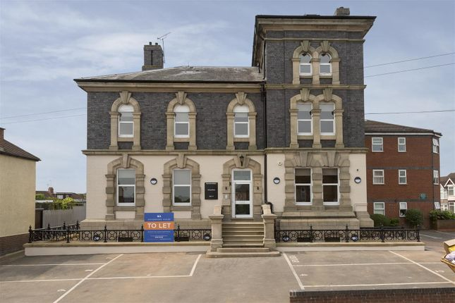 Thumbnail Flat to rent in Governors House, Cape Road, Warwick