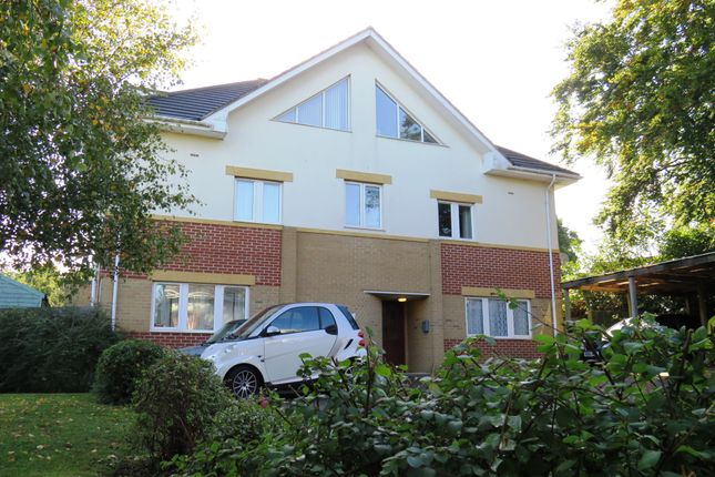 2 bed flat for sale in Alder Road, Parkstone, Poole
