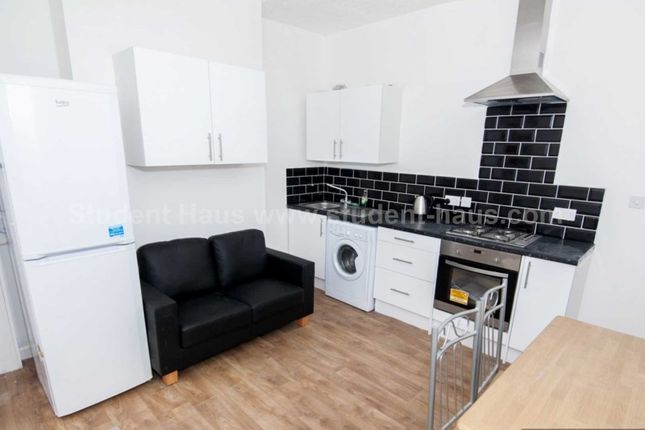 Thumbnail Property to rent in Tootal Rd, Salford