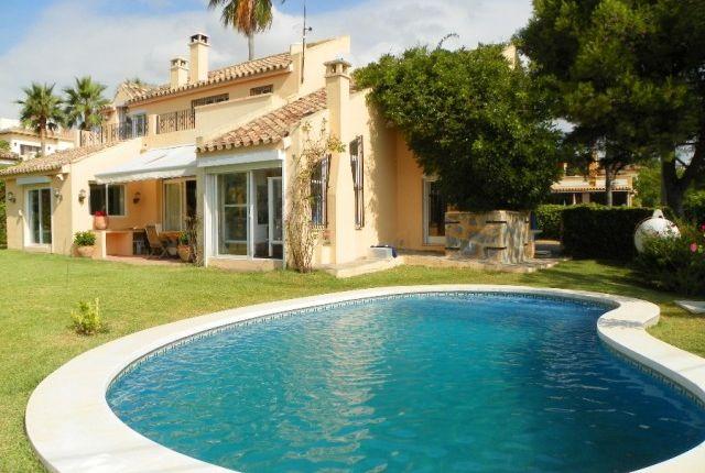 4 bed villa for sale in Spain, Málaga, Estepona, East Estepona