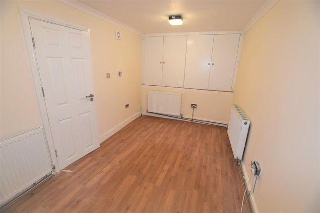 Room to rent in Woodford Green, South Woodford IG8, E18,
