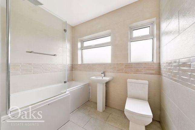 Bathroom of Sandfield Gardens, Thornton Heath CR7
