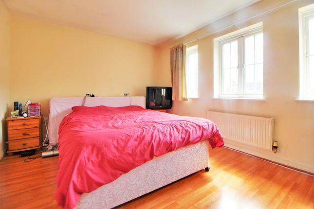 Room 6 of Queen Elizabeth Close, Ash, Surrey GU12