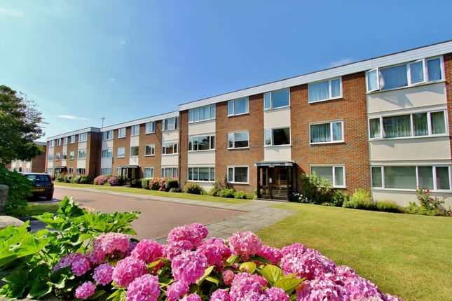 2 bed flat to rent in Bath Road, West Worthing BN11