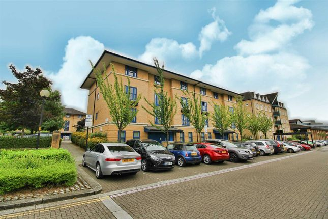 Thumbnail Flat to rent in Crowfield House, North Row, Milton Keynes