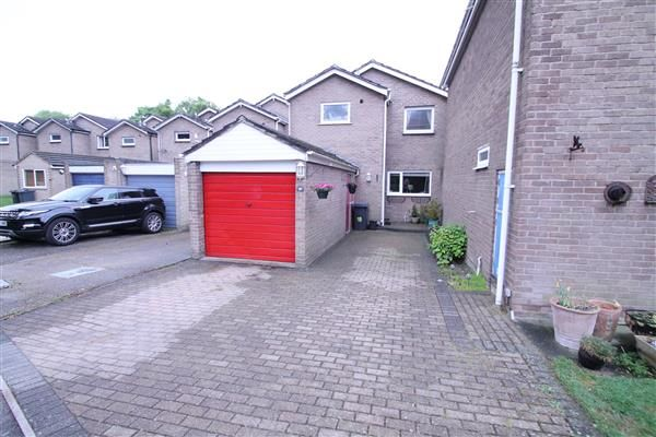 Thumbnail Terraced house for sale in Ashbourne Close, Coulsdon