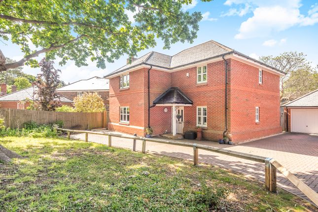 Thumbnail Detached house for sale in Glen Road, Swanwick, Southampton