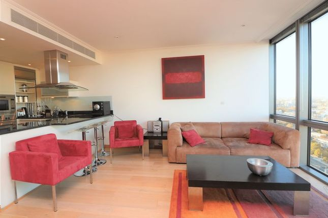 Thumbnail Flat to rent in 1 West India Quay, Canary Wharf