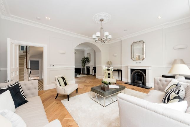 Thumbnail Terraced house for sale in Crescent Grove, London