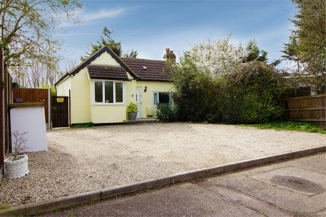 3 bed semi-detached bungalow for sale in Burnt Mills Road, Basildon, Essex SS13