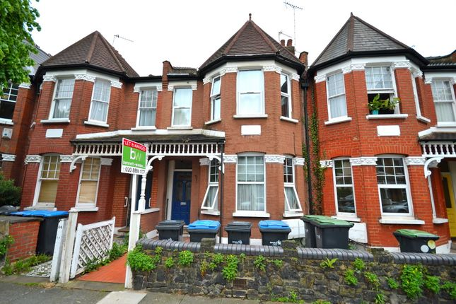Thumbnail Flat for sale in Devonshire Road, Palmers Green