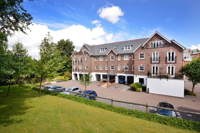 Thumbnail Flat for sale in Sells Close, Guildford
