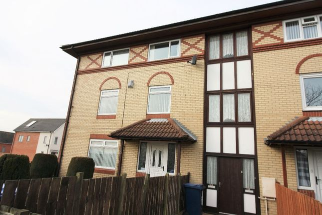 Thumbnail Flat to rent in Hallow Drive, Throckley, Newcastle Upon Tyne