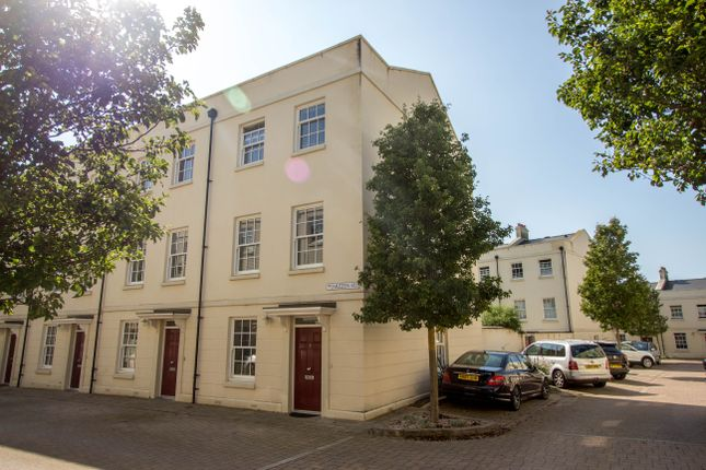4 bed end terrace house for sale in Mizzen Road, Mountwise, Plymouth PL1
