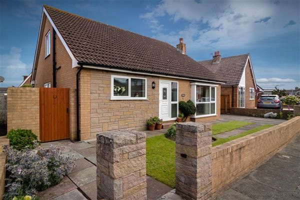 4 bed bungalow for sale in Winchcombe Road, Thornton-Cleveleys