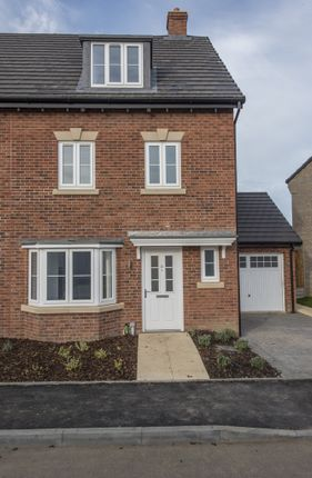 Thumbnail Town house for sale in Silk Mill Road, Norwich