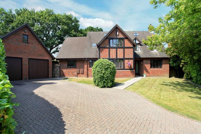 5 bed detached house to rent in Brooklynn Close, Waltham Chase, Southampton