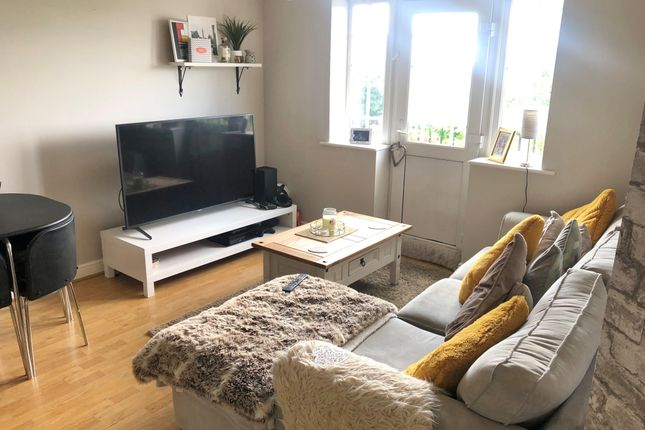 Thumbnail Flat to rent in Owlcotes Road, Pudsey