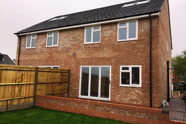 Thumbnail Semi-detached house for sale in Robertson Close, Newbury