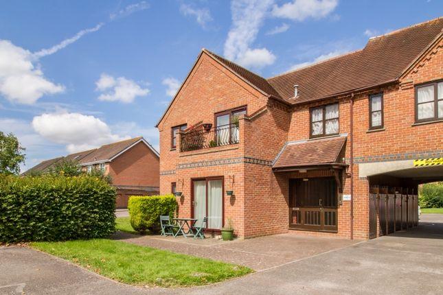 Thumbnail Flat to rent in Field Gardens, Steventon, Abingdon