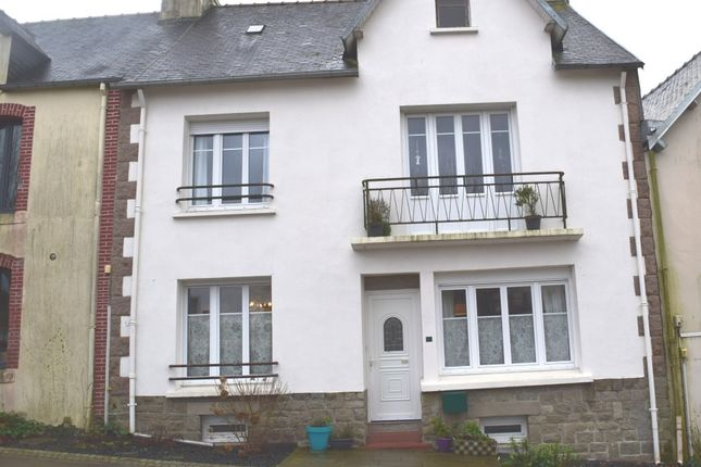 Thumbnail Terraced house for sale in 22340 Locarn, Côtes-D'armor, Brittany, France