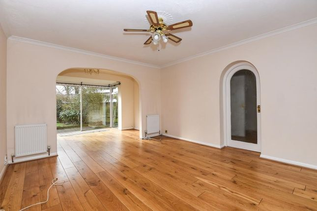 Thumbnail Detached house to rent in Summer Trees, Sunbury On Thames