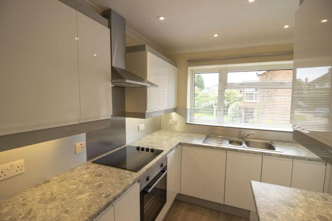 2 bed flat to rent in Reynards Court, Chelmsford, Essex CM2